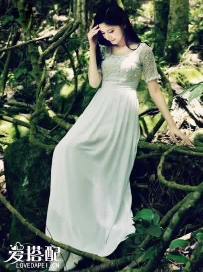白色雪纺连衣裙