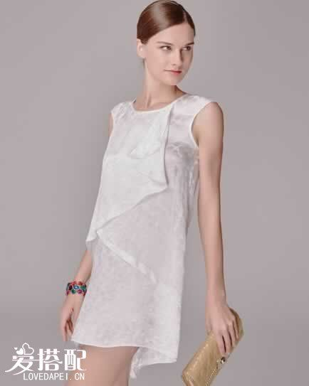 白色蕾丝连衣裙