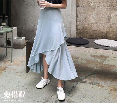 清新率性风   搭配:鱼尾裙+小白鞋