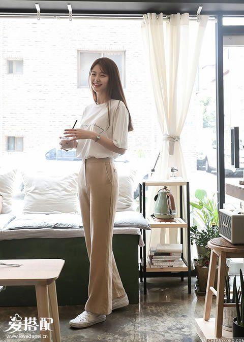 知性OL风   搭配:西装裤+小白鞋
